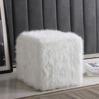 White fur cube puff ar1093